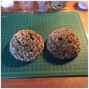 deux demi-sphères finies