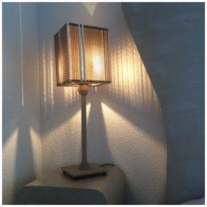Lampe de chevet habillée
