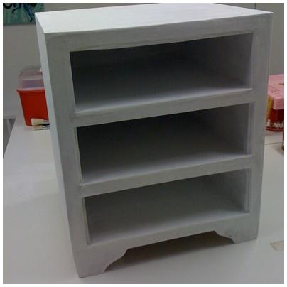 Comment peindre un meuble en carton lpb carton for Couche en special